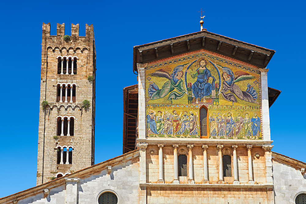 Facade with Byzantine Mosaic panel depicting Christ Pantocrator of the Basilica of San Frediano, a Romanesque church, Lucca, Tunscany, Italy .<br /> <br /> Visit our BYZANTINE MOSAIC PHOTO COLLECTION for more   photos  to download or buy as prints https://funkystock.photoshelter.com/gallery/Byzantine-Eastern-Roman-Style-Mosaics-Pictures-Images/G0000NvKCna.AoH4/3/C0000YpKXiAHnG2k<br /> If you prefer to buy from our ALAMY PHOTO LIBRARY  Collection visit : https://www.alamy.com/portfolio/paul-williams-funkystock/lucca.html