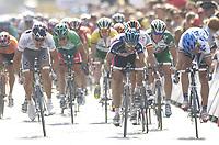 SYKKEL - TOUR DE FRANCE 2003 - STEP2 - LA FERTE-SOUS-JOUARRE > SEDAN -  07072003 - PHOTO: CROSNIER MILLEREAU / DIGITALSPORT<br /> <br /> BADEN COOKE (AUS) / FDJEUX.COM - JEAN PATRICK NAZON (FRA) / JEAN DELATOUR - JAAN KIRSIPUU (EST) / AG2R - THOR HUSHOVD / CREDIT AGRICOLE