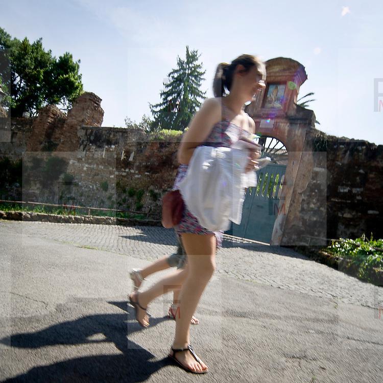 Turisti sul Palatino.Tourists on Palatino