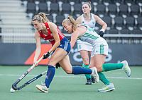 AMSTELVEEN - Lily Owsley (Eng) met Sarah Hawkshaw   tijdens de wedstrijd dames , Ierland-Engeland (1-5) bij het  EK hockey , Eurohockey 2021.COPYRIGHT KOEN SUYK