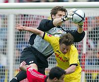 v.l. <br /> Bundesliga Bayer 04 Leverkusen - Borussia Dortmund<br /> <br /> Fotball<br /> Bundesliga 2003/04<br /> Bayer 04 Leverkusen v Borussia Dortmund<br /> 24. april 2004<br /> Foto: Digitalsport<br /> NORWAY ONLY<br /> <br /> Jörg BUTT, Leverkusen, Christian WÖRNS, Dortmund