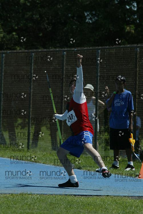 Ottawa, ON---09/06/07---Jonathon Blais competes at the 2007 OFSAA Track and Field Championships Saturday, June 9, 2007.