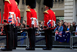 © Licensed to London News Pictures 25/04/2013.Crowds gather at Whitehall to watch wreaths being laid by Australian and New Zeland service men and women at the Cenotpah, to mark ANZAC Day..London, UK.Photo credit: Anna Branthwaite/LNP