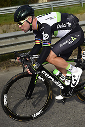 March 18, 2017 - San Remo, Italie - SANREMO, ITALY - MARCH 18 : CAVENDISH Mark (GBR) Rider of Team Dimension Data in action during the UCI WorldTour 108th Milan - Sanremo cycling race with start in Milan and finish at the Via Roma in Sanremo on March 18, 2017 in Sanremo, Italy, 18/03/2017 (Credit Image: © Panoramic via ZUMA Press)