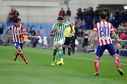 27.10.2013, Estadio Vicente Calderon, Madrid, ESP, Primera Division, Atletico Madrid vs Real Betis, 10. Runde, im Bild Atletico de Madrid's Oliver and Real Betis Didac (C) // Atletico de Madrid's Oliver and Real Betis Didac (C) during the Spanish Primera Division 10th round match between Club Atletico de Madrid and Real Betis at the Estadio Vicente Calderon in Madrid, Spain on 2013/10/28. EXPA Pictures © 2013, PhotoCredit: EXPA/ Alterphotos/ Victor Blanco<br /> <br /> *****ATTENTION - OUT of ESP, SUI*****