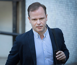 © Licensed to London News Pictures. 09/10/2016. London, UK. Former Government Director of Communications Sir Craig Oliver arrives for ITV's Peston on Sunday show. Photo credit: Peter Macdiarmid/LNP