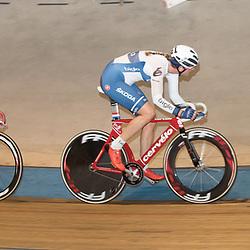 28-12-2015: Wielrennen: NK Baan: Alkmaar   <br />ALKMAAR (NED) baanwielrennen<br />Op de wielerbaan van Alkmaar streden de wielrenners om de nationale baantitels  <br />Vera Koedooder pakt de titel op de puntenkoers