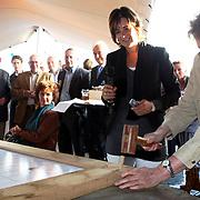 NLD/Huizen/20070912 - St. Botterwerf bijeenkomst Kalkovens Huizen oud college handelingm oud wethouder Metz