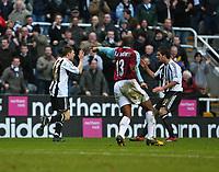 Photo: Andrew Unwin.<br /> Newcastle United v West Ham United. The Barclays Premiership. 20/01/2007.<br /> Newcastle's James Milner (L) celebrates his goal.