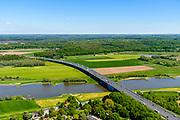 Nederland, Gelderland, Over-Betuwe, 13-05-2019; Heteren, brug in de A50 over de Nederrijn, Nederrijnbrug (tussen knooppunt Valburg en knooppunt Grijsoord) <br /> Lower Rhine bridge.<br /> luchtfoto (toeslag op standard tarieven);<br /> aerial photo (additional fee required);<br /> copyright foto/photo Siebe Swart