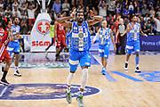 DESCRIZIONE : Campionato 2014/15 Dinamo Banco di Sardegna Sassari - Olimpia EA7 Emporio Armani Milano Playoff Semifinale Gara3<br /> GIOCATORE : Shane Lawal<br /> CATEGORIA : Ritratto Esultanza<br /> SQUADRA : Dinamo Banco di Sardegna Sassari<br /> EVENTO : LegaBasket Serie A Beko 2014/2015 Playoff Semifinale Gara3<br /> GARA : Dinamo Banco di Sardegna Sassari - Olimpia EA7 Emporio Armani Milano Gara4<br /> DATA : 02/06/2015<br /> SPORT : Pallacanestro <br /> AUTORE : Agenzia Ciamillo-Castoria/L.Canu