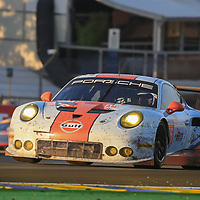 #86, Gulf Racing, Porsche 911 RSR(991), driven by: Michael Wainwright, Ben Barker, Nick Foster, 24 Heures Du Mans 85th Edition, 18/06/2017,