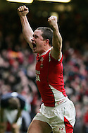 Shane Williams of Wales celebrates after he scores the match winning try. RBS Six nations, Wales v Scotland at the Millennium stadium, Cardiff on Sat 13th Feb 2010. pic by  Andrew Orchard sports photography,