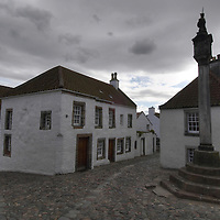 The mercat cross in the historical village of Culross, Fife, Scotland<br />