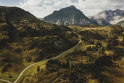 THEMENBILD - Hochtannbergpass mit der Landschaft und den umliegenden Bergen, aufgenommen am 16. September 2020 in Hochkrumbach, Oesterreich // Hochtannbergpass with the landscape and the surrounding mountains in Hochkrumbach, Austria on 2020/09/16. EXPA Pictures © 2020, PhotoCredit: EXPA/ JFK