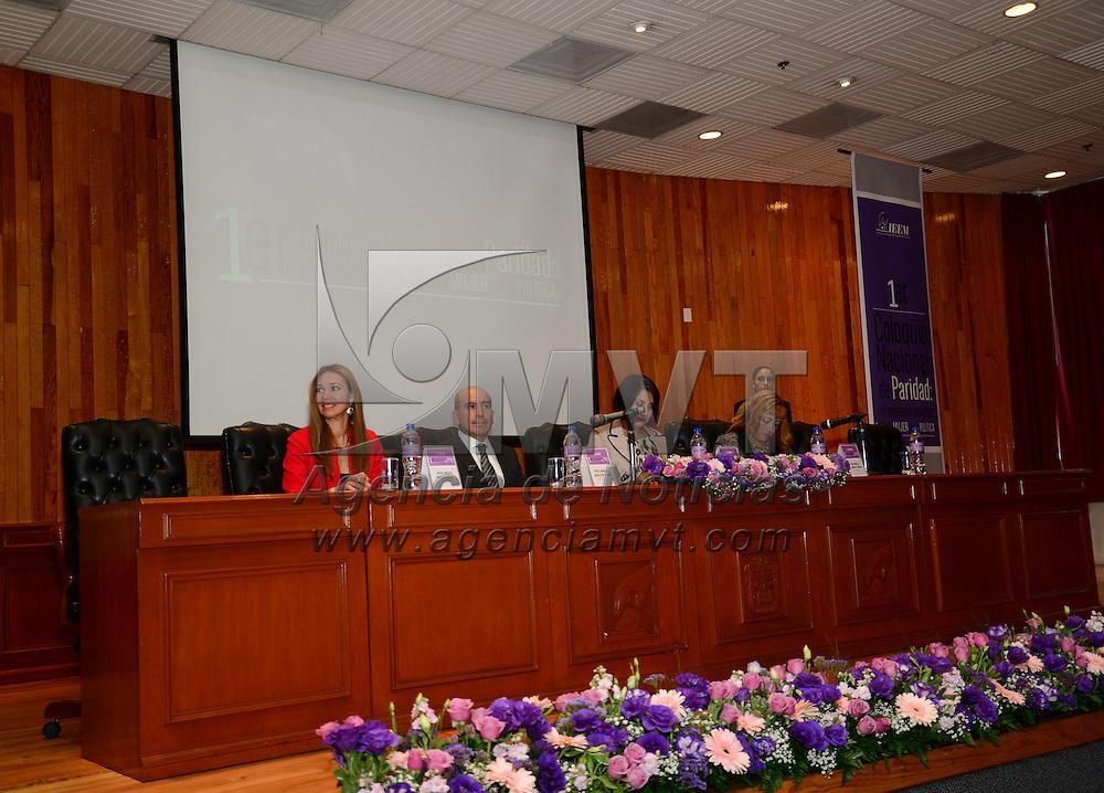 Toluca, Méx.- Palmira Tapia Palacios, consejera electoral del IEEM inauguró el Primer Coloquio Nacional de Paridad, el empoderamiento de la mujer en la Política. Agencia MVT / Crisanta Espinosa