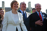 """First Minister Alex Salmond and Deputy First Minister. Nicola Sturgeon join with figures from across the Yes movement. <br /> They  """"campaign for the full powers that only a Yes vote can guarantee"""". Amongst other members of the grassroots campaign they  <br /> join Jim Sillars and the Margo mobile, which has been touring communities of Scotland.<br /> Pako Mera/Universal News And Sport (Europe) 10/09/2014"""