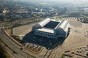 Nederland, Gelderland, Arnhem, 11-02-2008; Gelredome, overdekt voetbalstadion in de wijk Elden met Vitesse als thuisclub; het stadion wordt ook gebruikt voor concerten en evenementen; het multifunctionele superstadion heeft een verschuifbaar dak (afhankelijk van het weer is het dak geopend of gesloten) en een verplaatsbare grasbak (verschuifbaar veld); stadion, voetbalclub, voetbal, manifestatie, evenement, concert, Gelredrome, gelre dome, grasmat, stadiontheater, ..luchtfoto (toeslag); aerial photo (additional fee required); .foto Siebe Swart / photo Siebe Swart