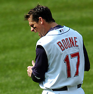MORNING JOURNAL/DAVID RICHARD<br />Cleveland's Aaron Boone yells out after flying out to end the sixth inning with baserunner Victor Martinez on second base during yesterday's loss to the White Sox.
