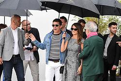 May 18, 2019 - Cannes, France - 72eme Festival International du Film de Cannes. Arrivée au photocall du film ''Douleur et Gloire''. 72th International Cannes Film festival. ''Dolo y Gloria'' cast arrives for photocall under rain....239402 2019-05-18  Cannes France.. Banderas, Antonio; Cruz, Penelope; Almodovar, Pedro (Credit Image: © L.Urman/Starface via ZUMA Press)