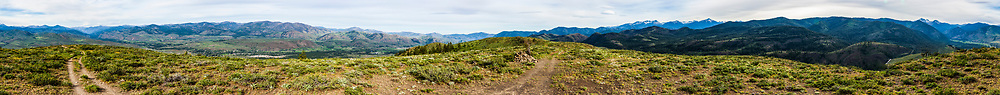 The Methow Valley and surrounding mountains from the top of Patterson Mountain, Washington, USA.