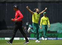 Cricket - 2019 ICC Cricket World Cup - Group Stage: South Africa vs. Bangladesh<br /> <br /> South Africa's Imran Tahir celebrates taking the wicket of Bangladesh's Shakib Al Hasan clean bowled for 75, at The Kia Oval.<br /> <br /> COLORSPORT/ASHLEY WESTERN