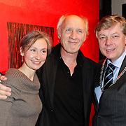NLD/Laren/20120212 - Opening expositie Herman van Veen bij Lionel gallery Laren, samen met partner en burgemeester Elbert Roest
