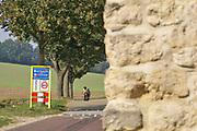Nederland, Voerendaal, 16-9-2020 De rode draed, het gehucht, dorpje, Winthagen. Poëziewandeling De Roode Draed Voerendaal . Foto: ANP/ Hollandse Hoogte/ Flip Franssen