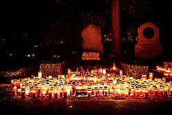 THEMENBILD - Kerzen auf dem Grab des ehemaligen Österreichischen Formel 1 Fahrers Jochen Rindt zu Allerheiligen am Zentralfriedhof in Graz. Am 1. November, gedenken Katholiken aller Menschen, die in der Kirche als Heilige verehrt werden. Das Fest Allerseelen am darauf folgenden 2. November, ist dem Gedaechtnis aller Verstorbenen gewidmet, aufgenommen am 30.10.2016, Kaprun, Oesterreich // candles burning on the grave of former Austrian Formula One driver Jochen Rindt on All Saints' Day 1st November, Catholics remember all people who are venerated as saints in the church. The festival Souls on the following second November is dedicated to the memory of all deceased, taken at the cemetery in Kaprun, Austria on 2016/11/01. EXPA Pictures © 2016, PhotoCredit: EXPA/ Erwin Scheriau