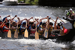 CHICAGO, June 25, 2017  Participants compete in a dragon boat race in Chicago, the United States, June 24, 2017. More than 6,00 contestants of 30 teams took part in the 17th annual Chicago Dragon Boat Race at Ping Tom Memorial Park in Chinatown of Chicago. (Credit Image: © Wang Ping/Xinhua via ZUMA Wire)