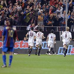 03-03-2007 VOETBAL: SEVILLA FC - BARCELONA: SEVILLA  <br /> Sevilla wint de topper met Barcelona met 2-1 / Sevilla komt op 1-1 en viert zijn feestje met de supporters met oa Poulsen, Marti, Alves en Navas<br /> ©2006-WWW.FOTOHOOGENDOORN.NL