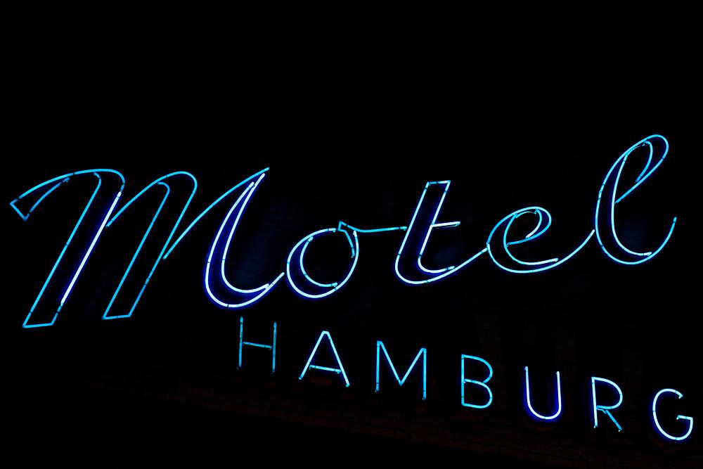 Neonschild Motel Hamburg an der Hohenluftchaussee