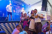 Festzelt, Gäubodenvolksfest, Straubing, Donau, Bayerischer Wald, Bayern, Deutschland | Gäubodenvolksfest, Straubing, Danube, Bavarian Forest, Bavaria, Germany