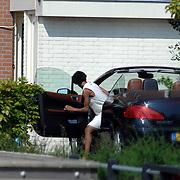 NLD/Amsterdam/20070503 - Sylvana Simons stapt in haar auto voor haar woning in Amsterdam
