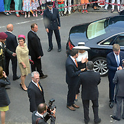 Koning en koningin bezoeken Nedersaksen. In het duitse Werlte krijgt het konuingspaar een rondleiding door het AUDI 3N Kompetenzzentrum<br /> <br /> King and Queen visit Niedersachsen. In the German Werlte the royal couple get a tour of the AUDI 3N Kompetenzzentrum<br /> <br /> Op de foto / On the photo: <br />  Aankomst / Arrival