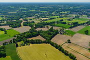 Nederland, Gelderland, Gemeente Aalten, 29-05-2019; Achterhoek, verkaveling en landelijk gebied, Coulissenlandschap te noorden van Aalten.<br /> Achterhoek, backstage landscape, allotment and rural areas (east Netherlands, near border Germany).<br /> luchtfoto (toeslag op standard tarieven);<br /> aerial photo (additional fee required);<br /> copyright foto/photo Siebe Swart