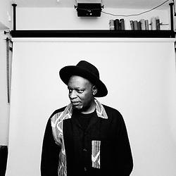 Mweze Ngangura (2009)