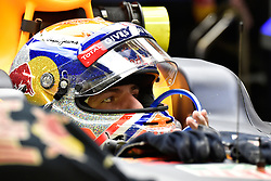 September 16, 2016 - Singapur, Singapur - Motorsports: FIA Formula One World Championship 2016, Grand Prix of Singapore, .#3 Daniel Ricciardo (AUS, Red Bull Racing) (Credit Image: © Hoch Zwei via ZUMA Wire)