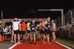 Beer Mile World Championships, Inaugural, sub-elite runners ready at start