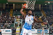 DESCRIZIONE : Avellino Lega A 2015-16 Sidigas Avellino Banco di Sardegna Sassari<br /> GIOCATORE : Christian Eyenga<br /> CATEGORIA : schiacciata<br /> SQUADRA : Banco di Sardegna Sassari<br /> EVENTO : Campionato Lega A 2015-2016 <br /> GARA : Sidigas Avellino Banco di Sardegna Sassari<br /> DATA : 09/11/2015<br /> SPORT : Pallacanestro <br /> AUTORE : Agenzia Ciamillo-Castoria/A. De Lise <br /> Galleria : Lega Basket A 2015-2016 <br /> Fotonotizia : Avellino Lega A 2015-16 Sidigas Avellino Banco di Sardegna Sassari