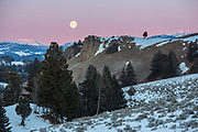 Full moon setting over the Blacktail Plateau