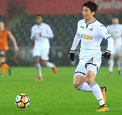Ki Sung-Yueng of Swansea City in action -Mandatory by-line: Nizaam Jones/JMP- 17/01/2018 - FOOTBALL - Liberty Stadium- Swansea, Wales - Swansea City v Wolverhampton Wanderers - Emirates FA Cup third round proper