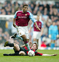 Photo: Scott Heavey.<br /> Aston Villa v Manchester City. FA Barclaycard Premiership. 04/04/2004.<br /> Ulises De La Cruz skips past the challenge from Steve McManaman