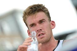 16-07-2014 NED: FIVB Grand Slam Beach Volleybal, Apeldoorn<br /> Poule fase groep A mannen - Alexander Walkenhorst (1) GER