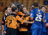 Fotball<br /> England 2005/2006<br /> Foto: SBI/Digitalsport<br /> NORWAY ONLY<br /> <br /> Wolverhampton Wanderers v Crystal Palace. Coca Cola Championship. 09/08/2005.<br /> Tempers flare as full time approaches.