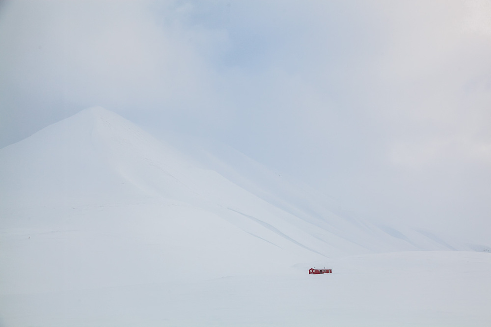 A private backcountry cabin in Foxdalen, Svalbard.