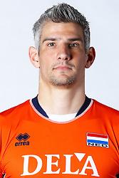 20150506 NED: Selectie Nederlands volleybal team mannen, Arnhem<br />Op Papendal werd het Nederlands team volleybal seizoen 2015-2016 gepresenteerd / Rob Bontje<br />©2015-FotoHoogendoorn.nl / Pim Waslander