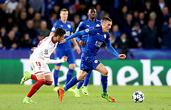 Jamie Vardy of Leicester City goes past Sergio Escudero of Sevilla - Mandatory by-line: Robbie Stephenson/JMP - 14/03/2017 - FOOTBALL - King Power Stadium - Leicester, England - Leicester City v Sevilla - UEFA Champions League round of 16, second leg