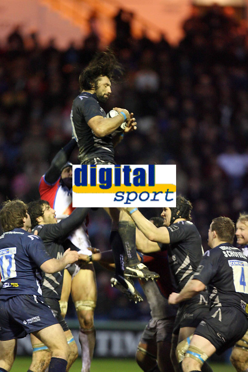 Photo: Rich Eaton.<br /> <br /> Sale Sharks v Bristol Rugby. Guinness Premiership. 01/01/2007. Sebastien Chabal of Sale wins lineout ball