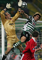 PORTUGAL - LISBOA 17 MARCH 2005: MARK SCHWARZER #1 and SA PINTO #10 in the UEFA Cup knockout phase, match Sporting CP (0) vs Middlesbrough FC (0), held in Alvalade 21 stadium.  17/03/2005  22:09:07<br />(PHOTO BY: GERARDO SANTOS/AFCD)<br /><br />PORTUGAL OUT, PARTNER COUNTRY ONLY, ARCHIVE OUT, EDITORIAL USE ONLY, CREDIT LINE IS MANDATORY AFCD-PHOTO AGENCY 2004 © ALL RIGHTS RESERVED